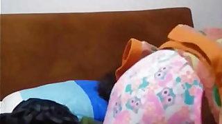 Grabó a mi prima antes de dormir me la folle sin condón porque estamos en familia en Medellín Colombia