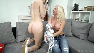 Matured lady uses her seductive charms on a young woman with a big butt